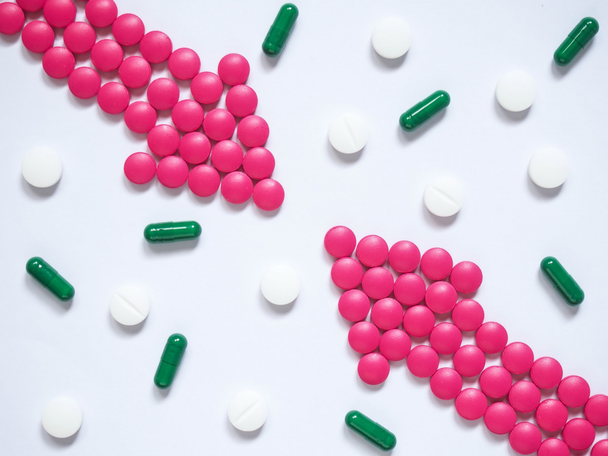 Cephalexin vs Amoxicillin: Main Differences and Similarities