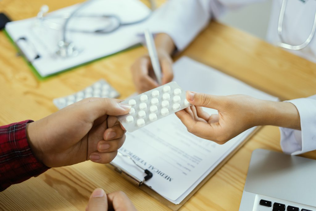 Lexapro vs Prozac: Main Differences and Similarities